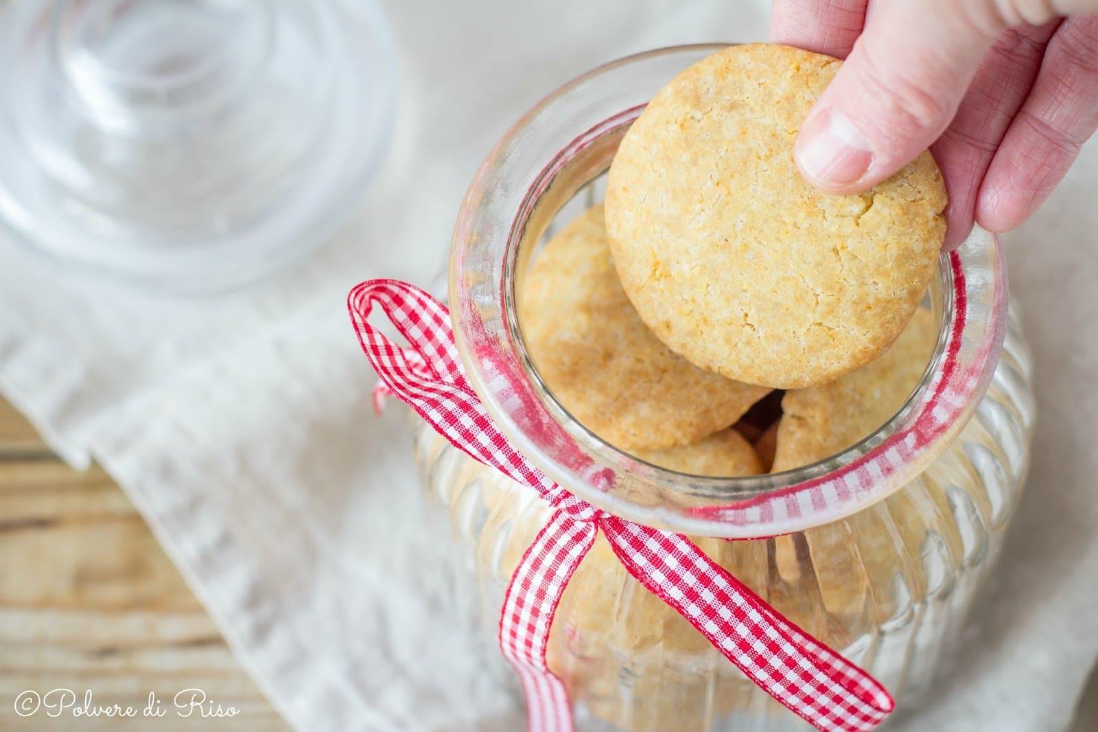 biscotti friabili senza glutine
